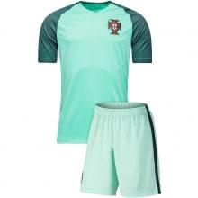 Гостевая футбольная форма сборной Португалии 2016-2018