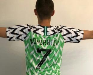 Домашняя игровая футболка сборной Нигерии по футболу на чемпионат мира 2018 с нанесением фамилии и номера