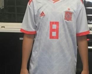 Детская гостевая футбольная форма сборной Испании по футболу на чемпионат мира 2018 года футболка, шорты и гетры
